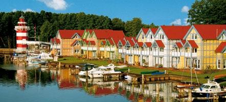 Das Hafendorf verströmt die Ausstrahlung einer skandinavischen Kleinstadt. Foto: Hafendorf Rheinsberg