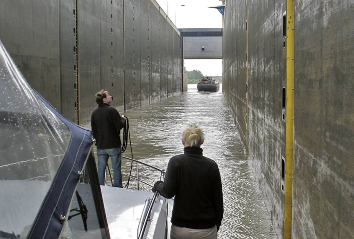 Mittellandkanal Motoryacht © Magazin Seenland