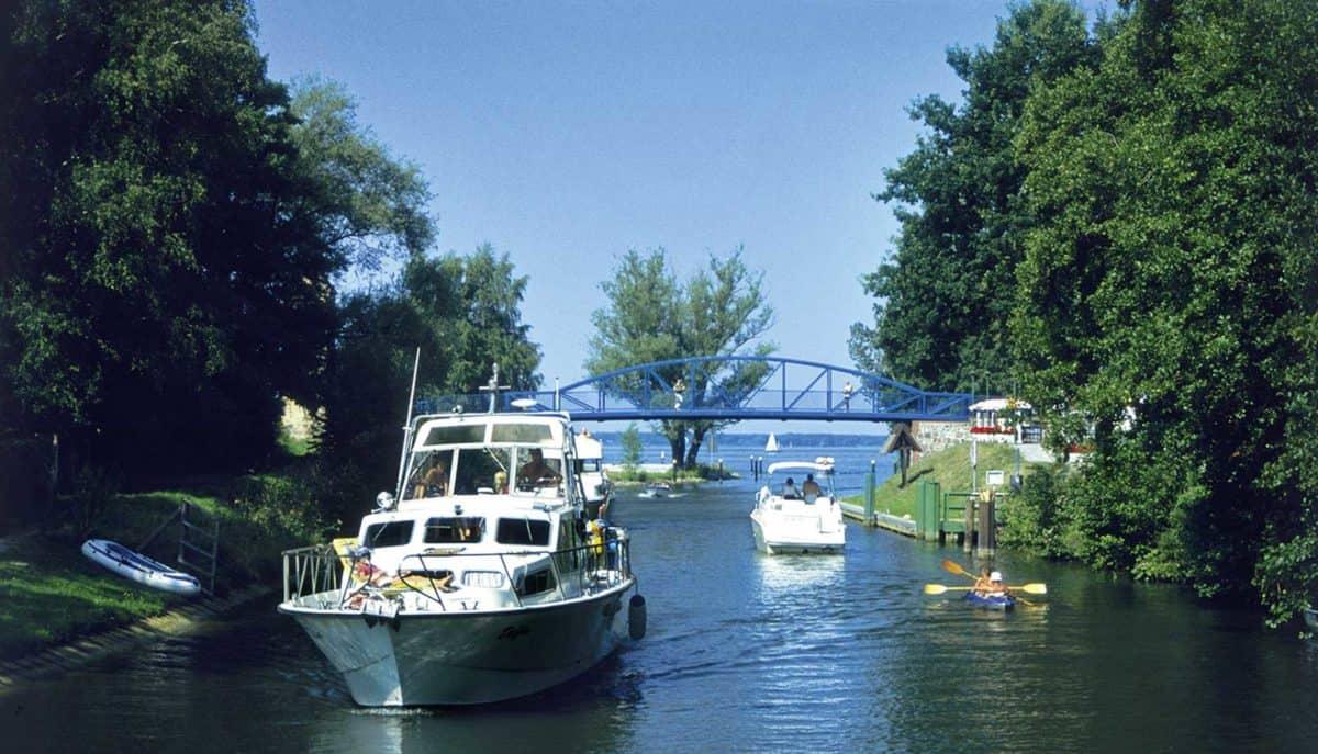 Mecklenburgische Seenplatte Hausboot © Magazin Seenland