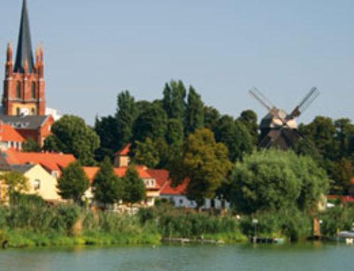 Werder: Apfeltraum im Mai am Wasser