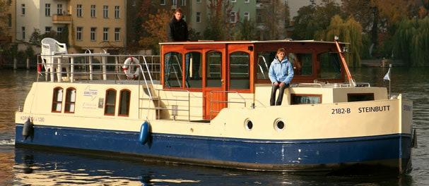 Nah an der Stadt und doch jwd – Köpenick ist Berlins grüner Bezirk und dank seines Wasserreichtums und der urigen Kneipen ideal für Freizeitkapitäne.