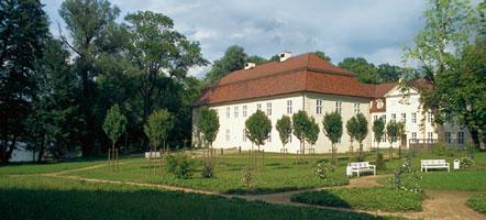 Der Schlossgarten in Mirow lädt zum Verweilen ein.