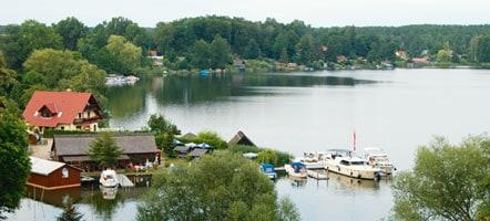 Die Fischerhütte in Flecken Zechlin ist ein beliebtes Ausflugsziel für Naturparklbesucher.