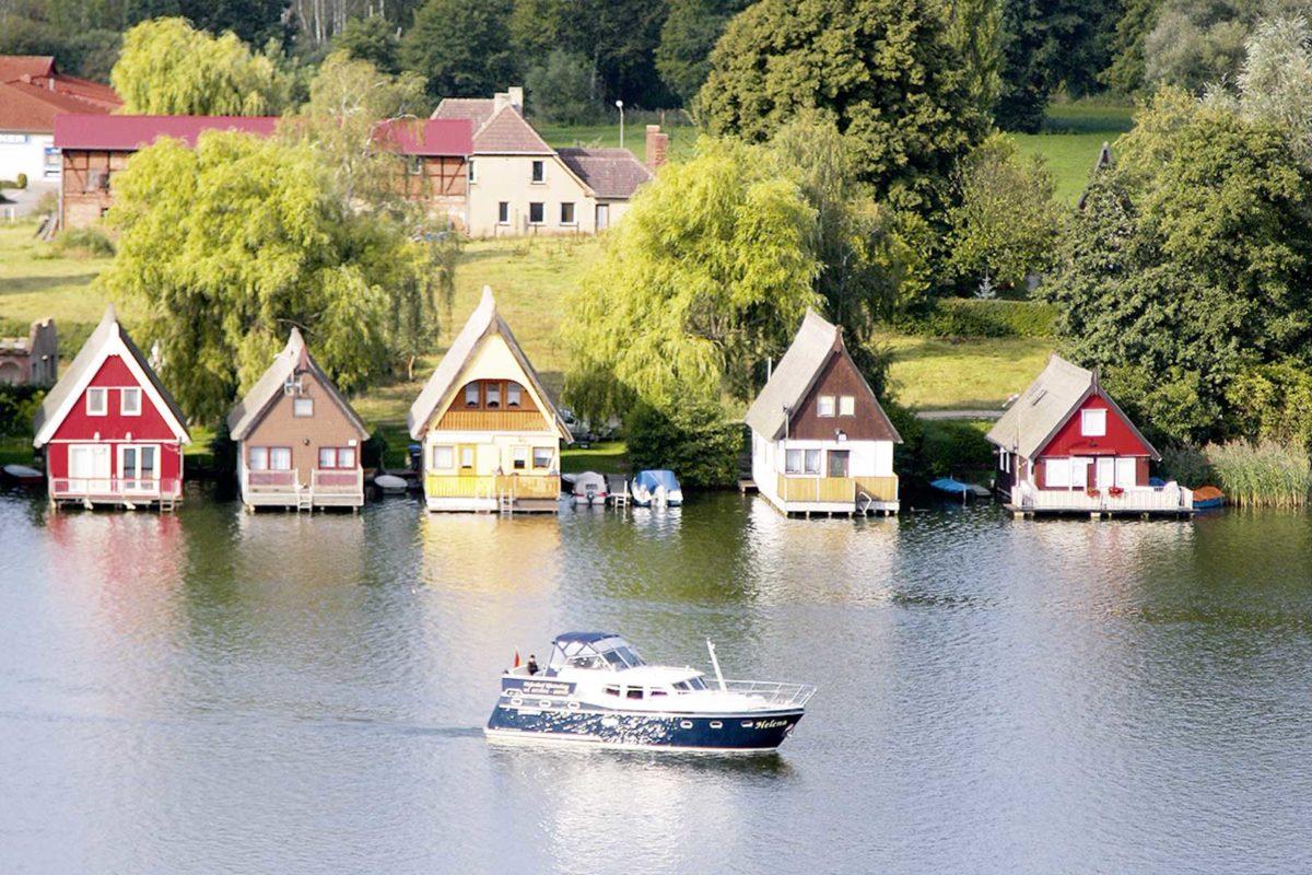 Mecklenburgische Seenplatte Mirow Bootshäuser