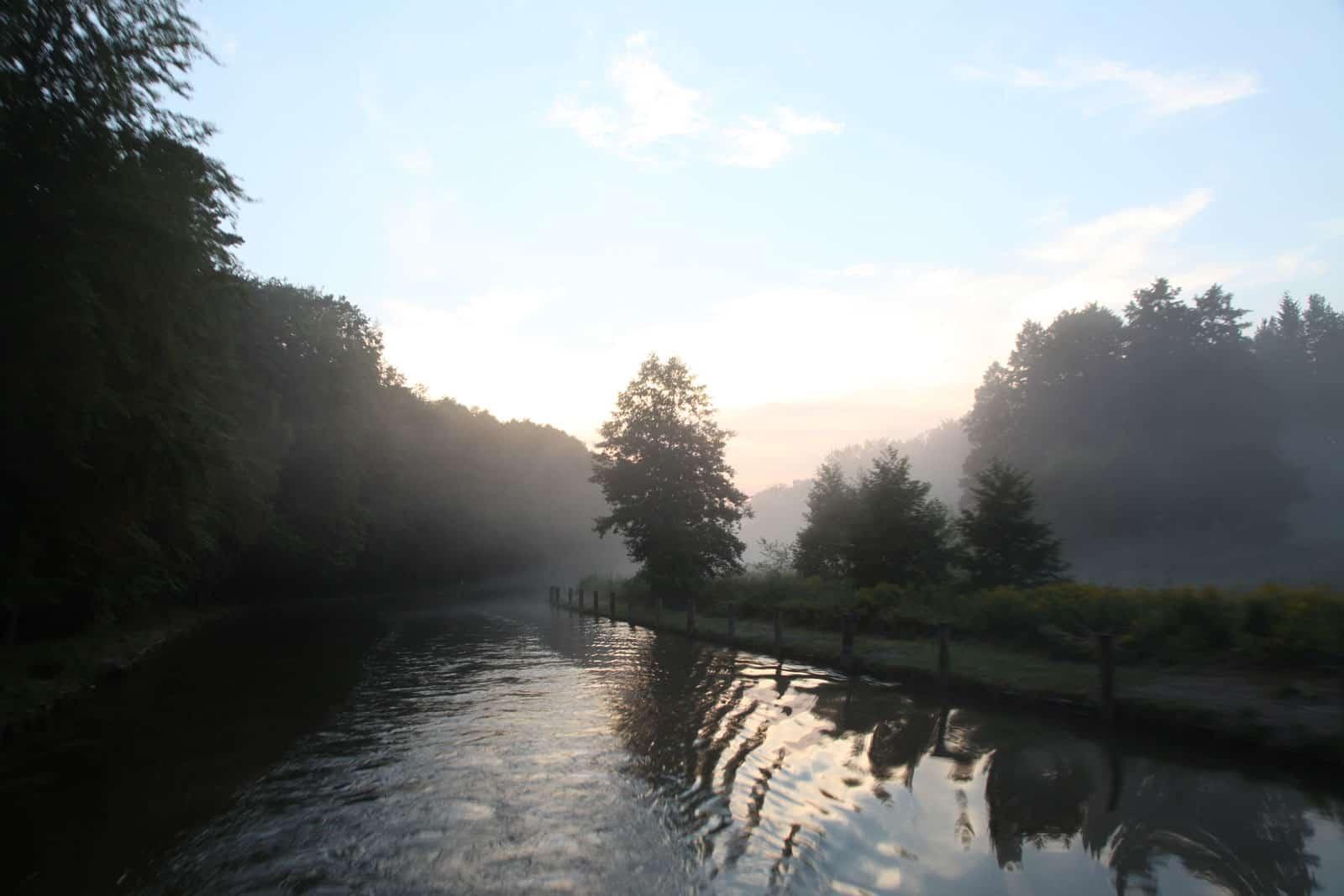 Nebel über Kanal
