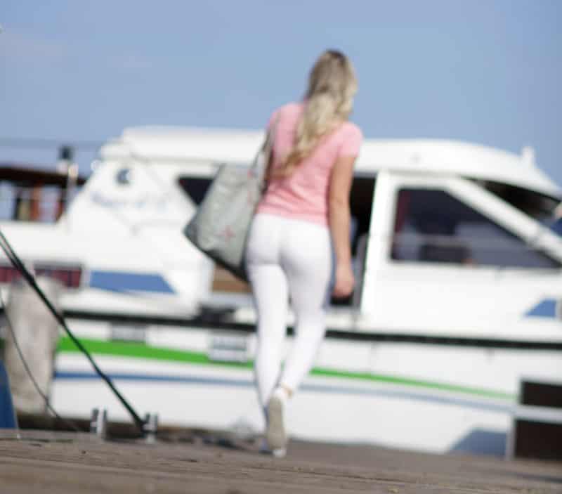 Der entspannte Hausboot-Urlaub beginnt mit einer guten Einweisung. Hier hilft unsere Checkliste.