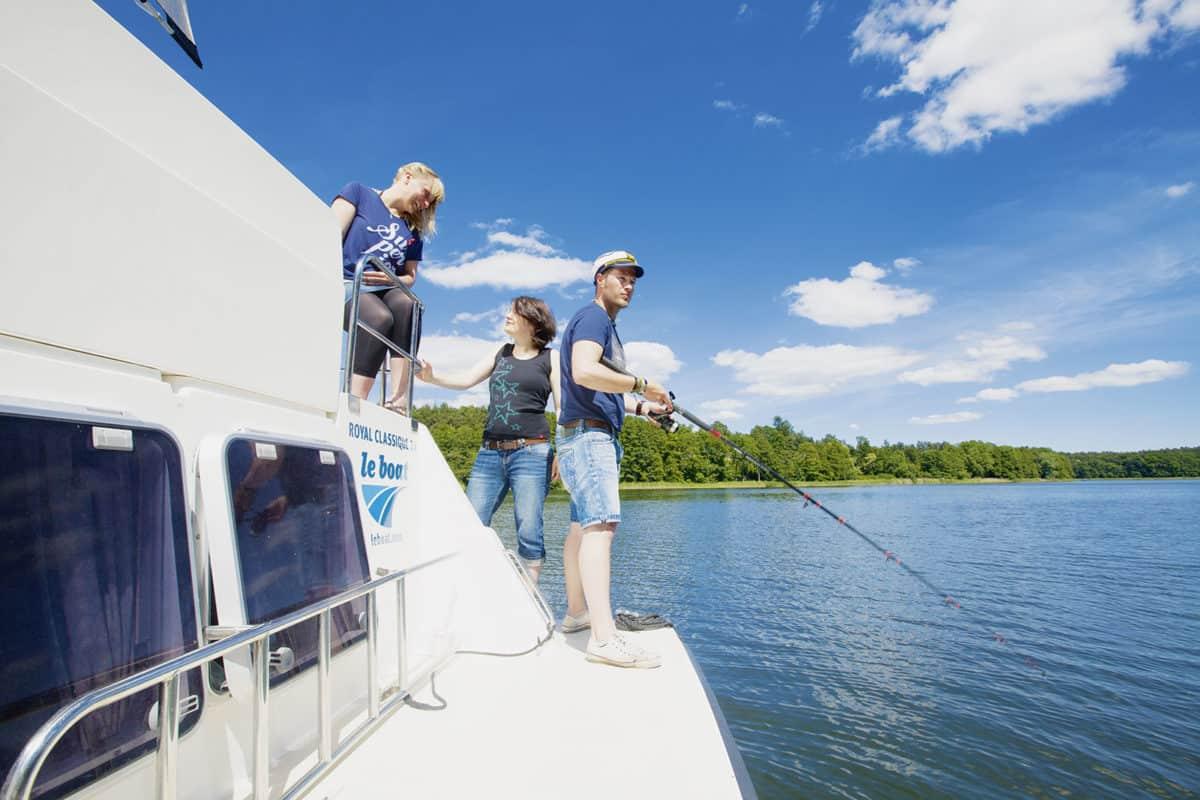 Urlaub auf dem Hausboot mit Angeln