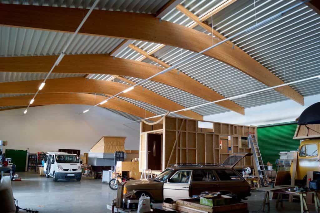 Werkhalle zum Umbau von Bullis und Camper